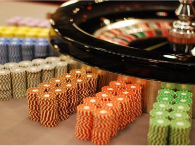 Roulettetisch und Chips
